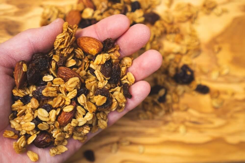 グラノーラの主な栄養素とは?