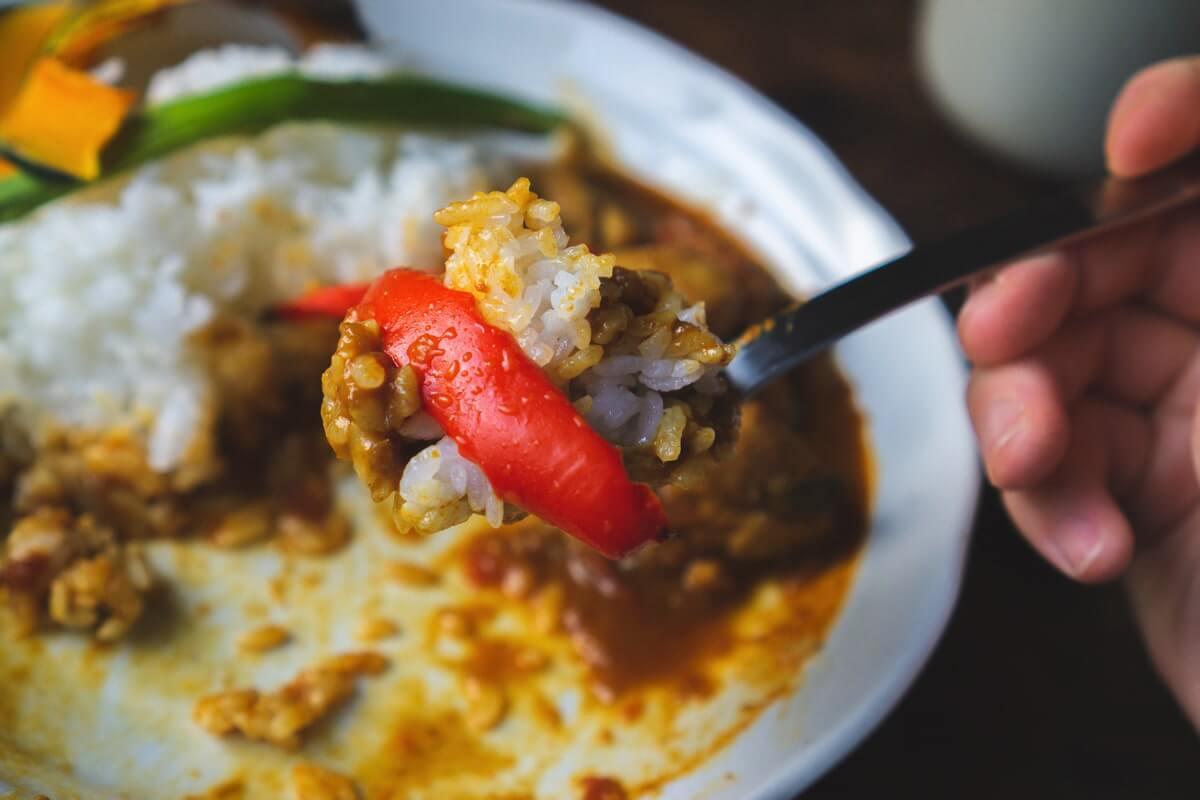 ご飯も肉も野菜も、サラサラと食べれてしまう
