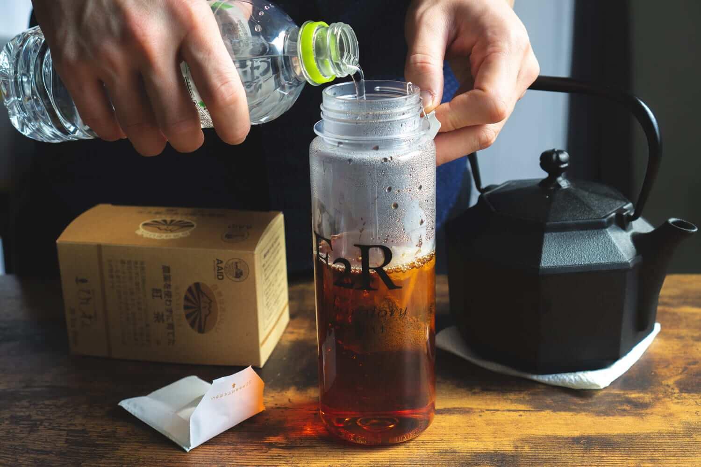 紅茶を作る