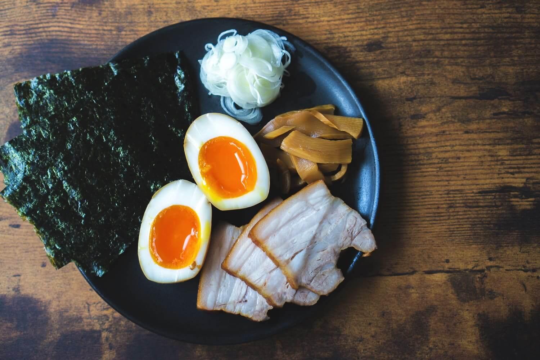 ラーメン「凪」監修 すごい煮干しスープのトッピング
