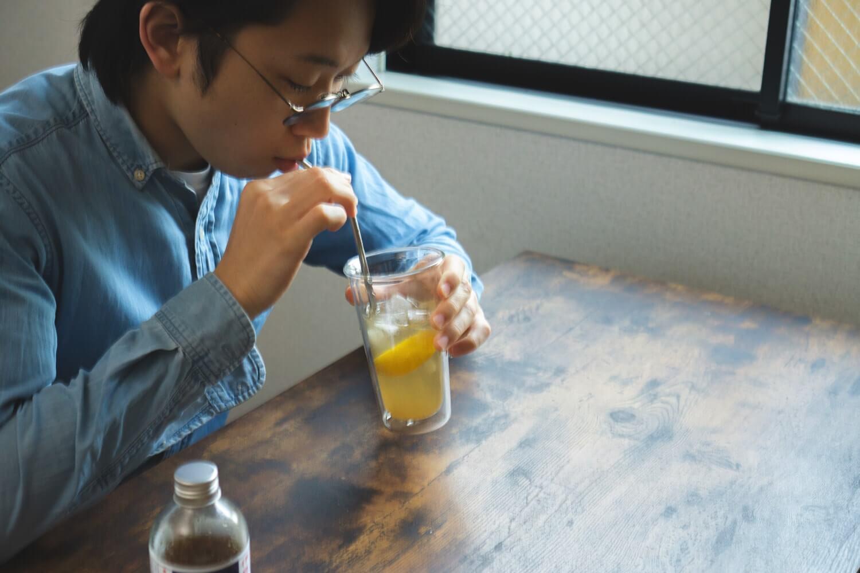 レモンの風味と酸味が加わって味が引き締まりますね