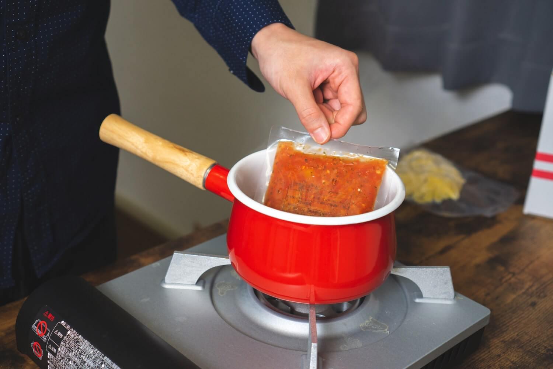 ソースを2、3分温める