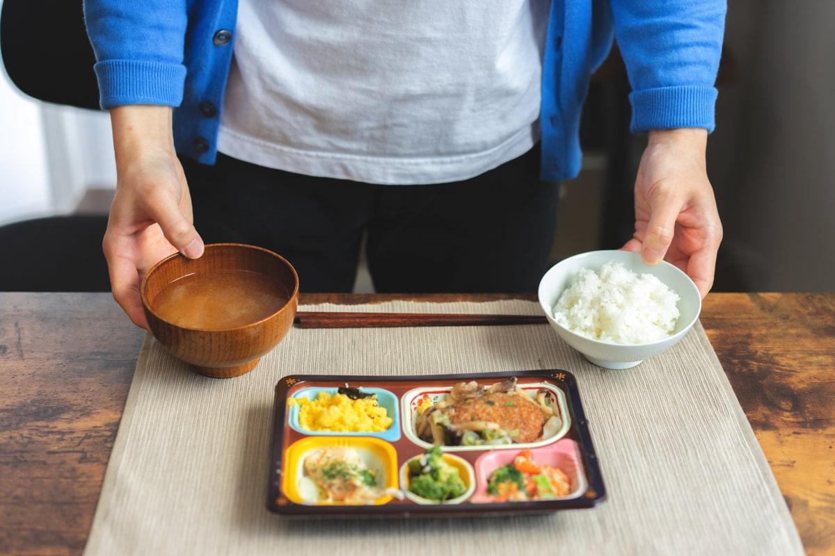 食卓便の冷凍弁当