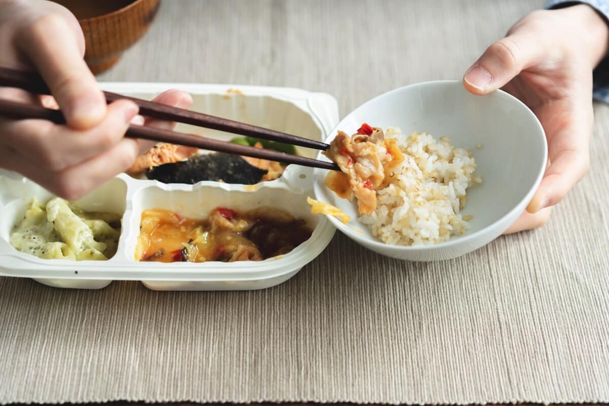 肉野菜炒めは割と濃いめの味付け