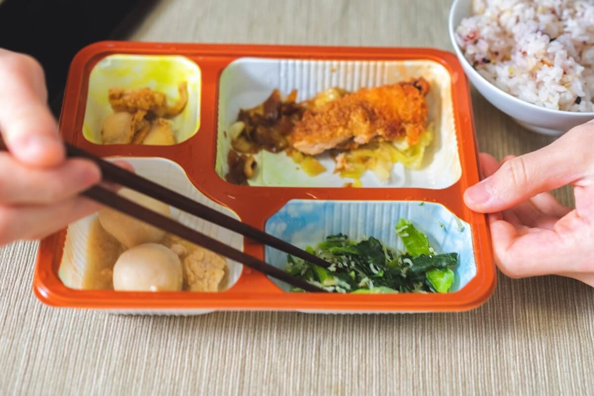 里芋の煮物、小松菜としらすのお浸し