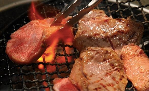肉のいとう「熟成肉厚牛タン 塩味」